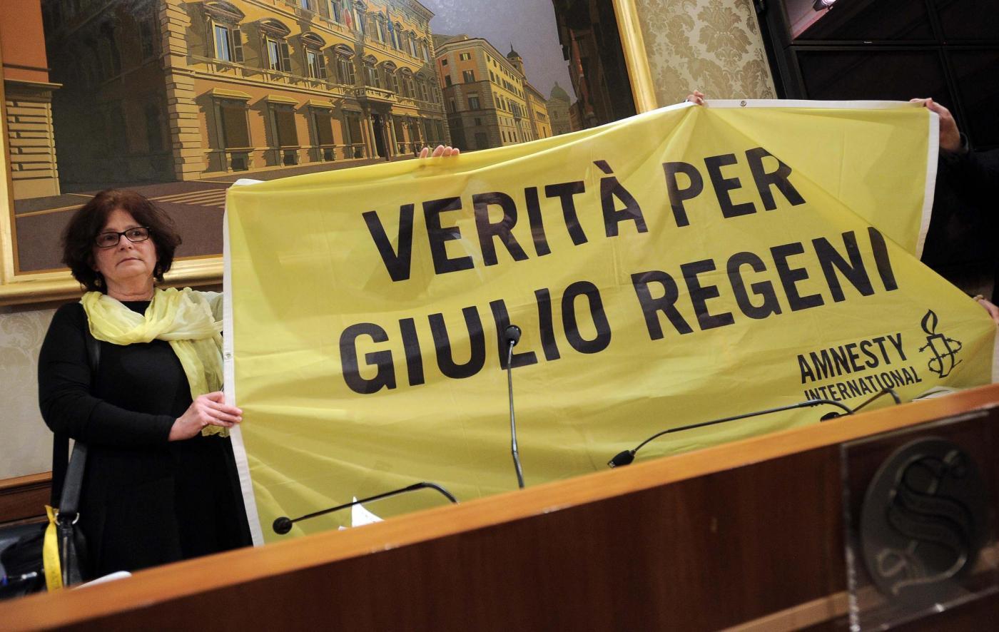 Senato, la conferenza stampa dei genitori di Giulio Regeni