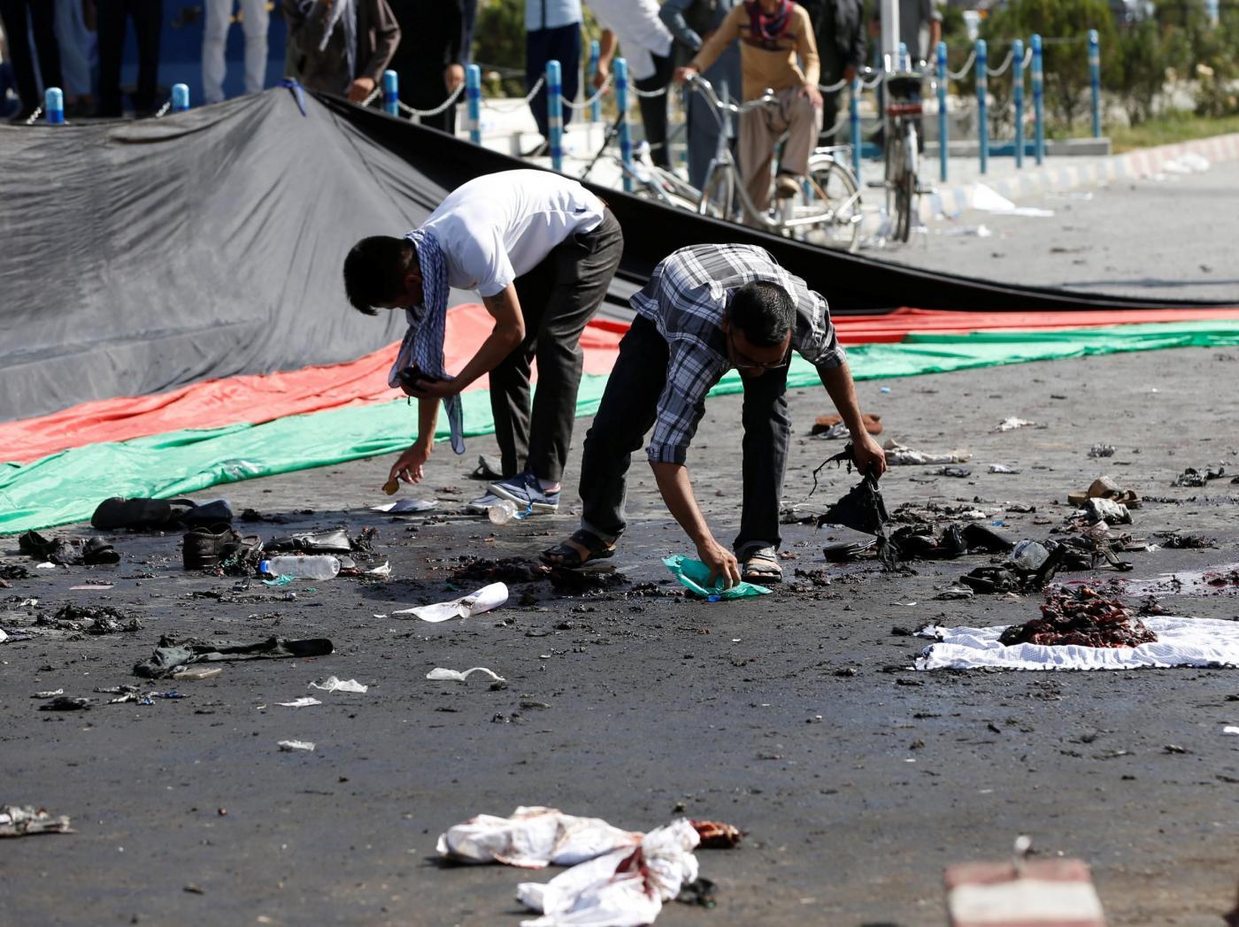 Attacco suicida durante manifestazione a Kabul