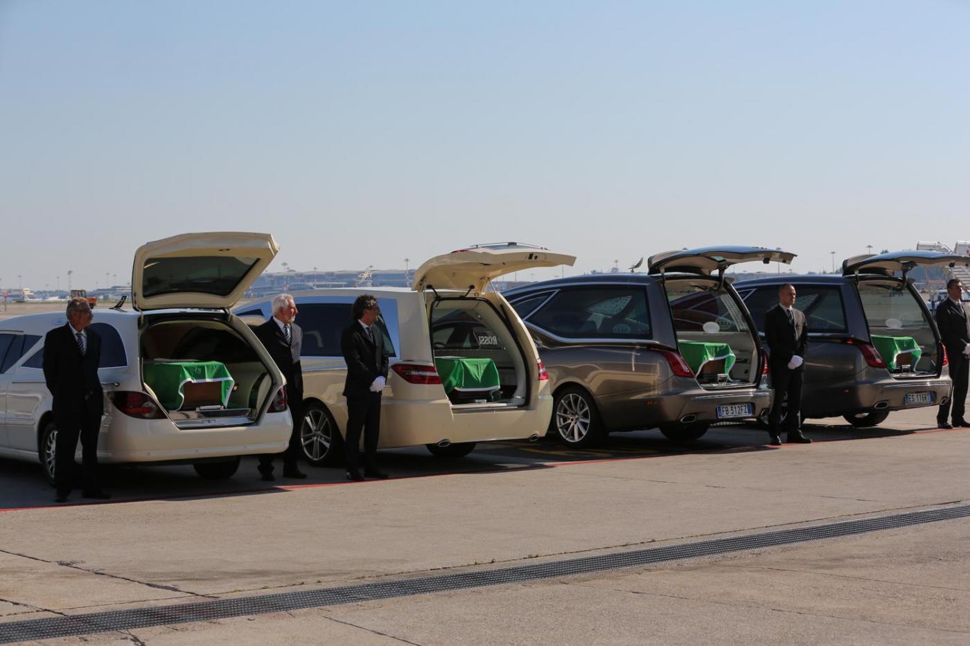 Rientro salme delle vittime dell'attentato a Nizza all'aeroporto di Malpensa