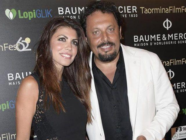 Flora Canto incinta Enrico Brignano papà