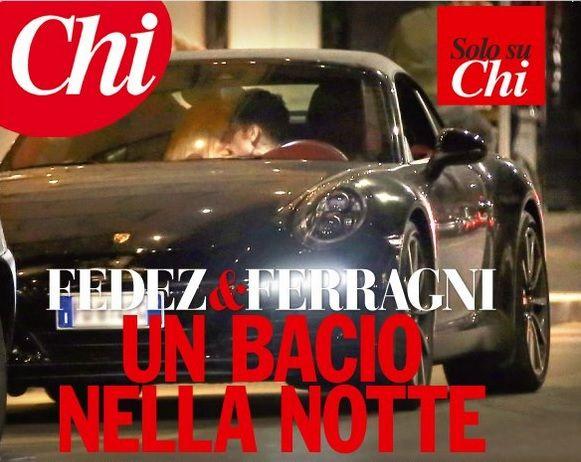 Fedez e Chiara Ferragni sono una coppia: il bacio in auto