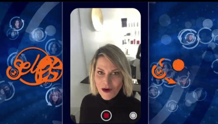 Selfie di Simona Ventura, a Mediaset Le Cose Cambiano