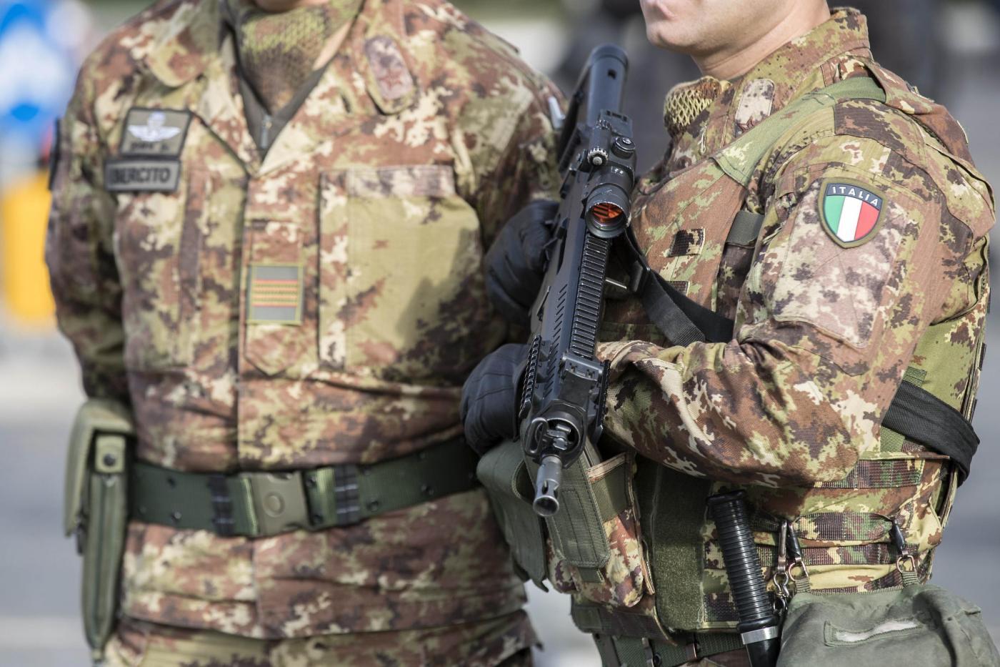 Roma, militari impegnati in operazione Strade Sicure