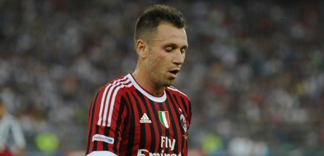 Bari, trofeo Tim di calcio Inter Juventus Milan