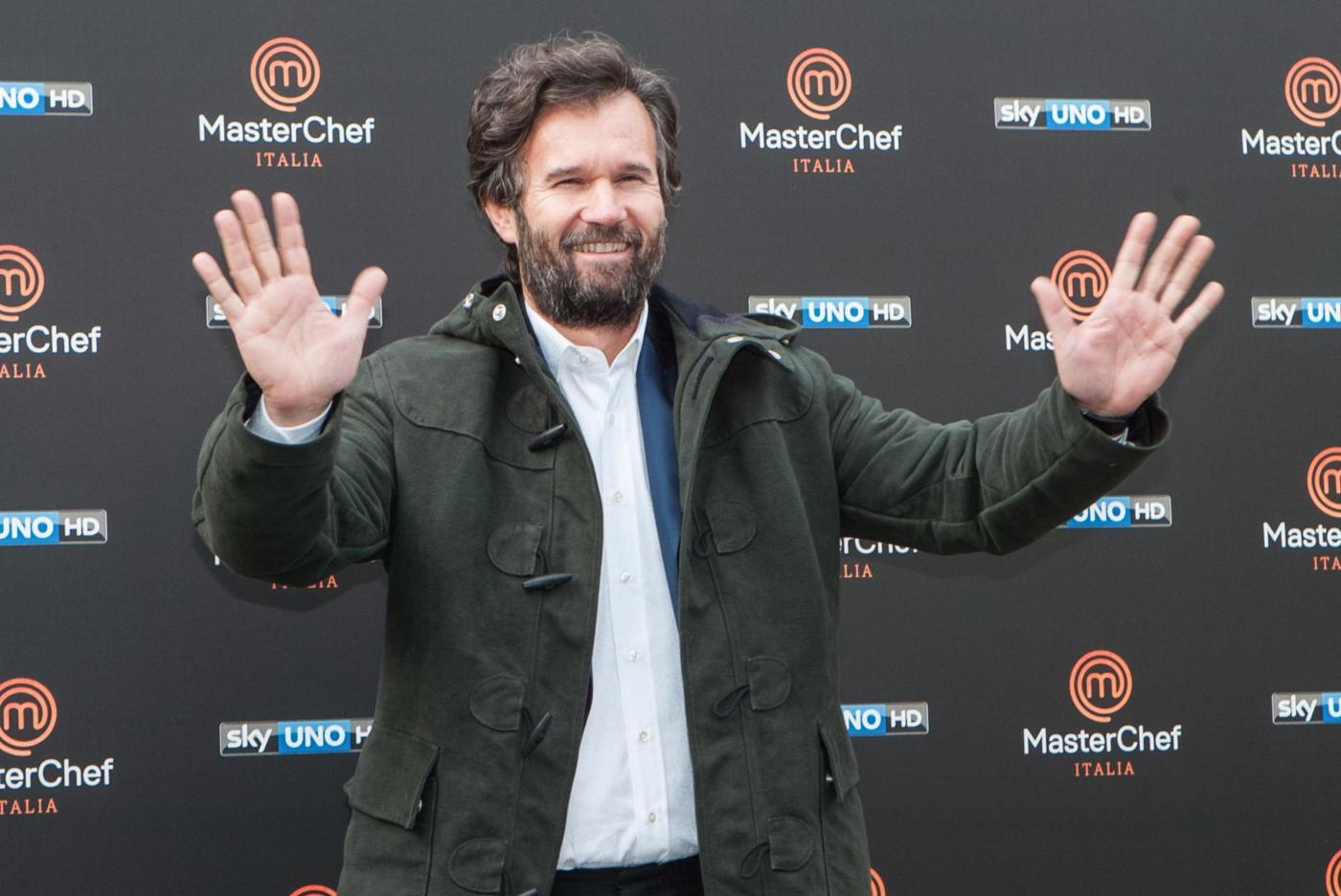 Carlo Cracco dice addio a Masterchef: 'Voglio concentrarmi sul mio lavoro'