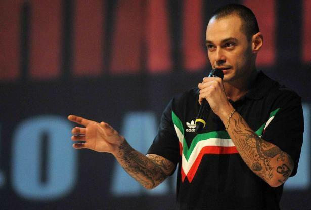 Fabri Fibra di nuovo a processo per diffamazione contro Valerio Scanu