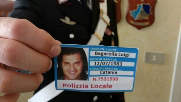 Truffatore inchiodato dall'ignoranza: scrive 'Polizzia' sul finto tesserino e usa una foto del Grande Fratello