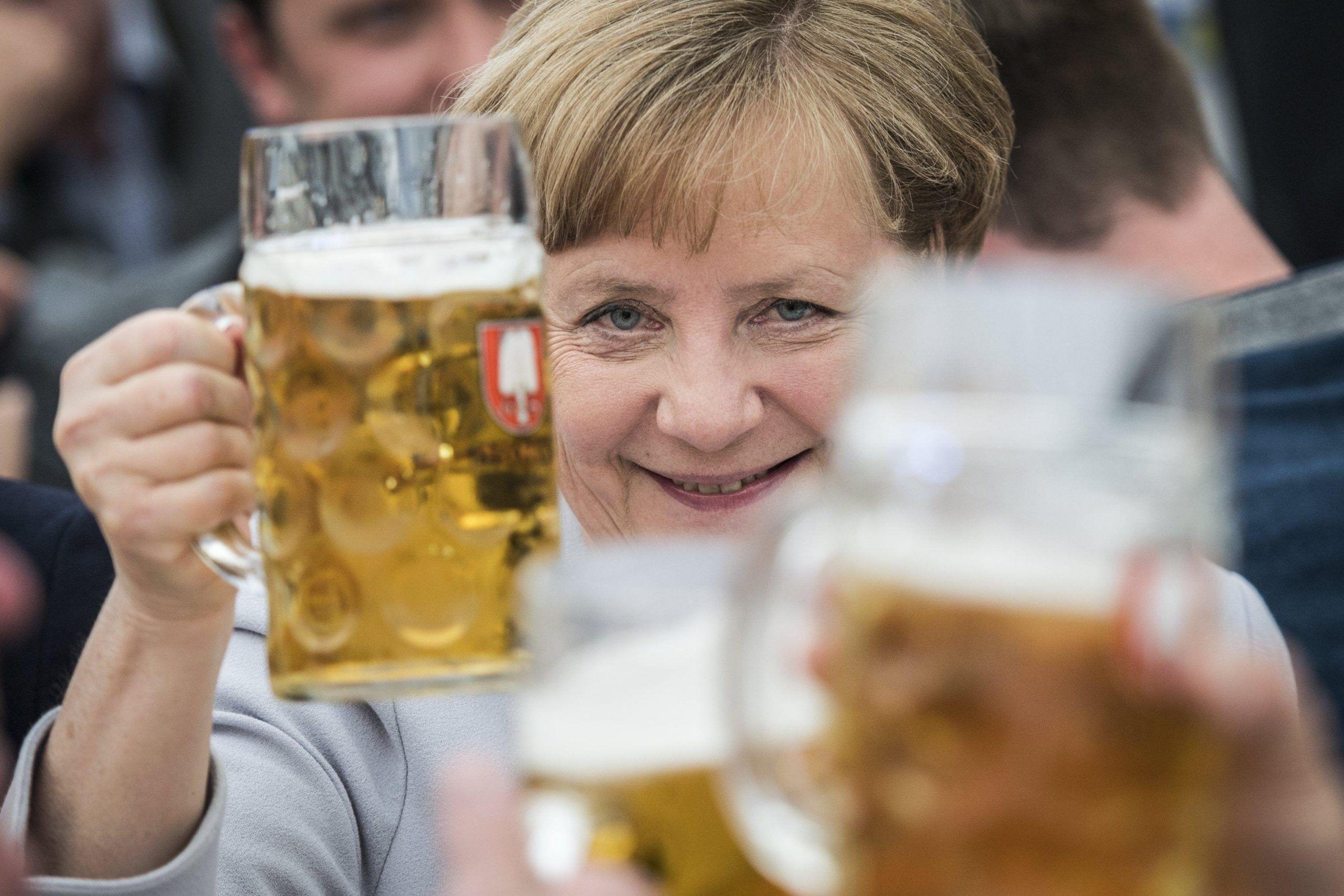 >>>ANSA/LA MERKEL DOPO IL G7, DELL'AMERICA NON CI SI PUÒ FIDARE