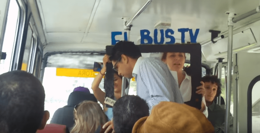 Venezuela news: i giornalisti sfidano la censura facendo i tg sui bus