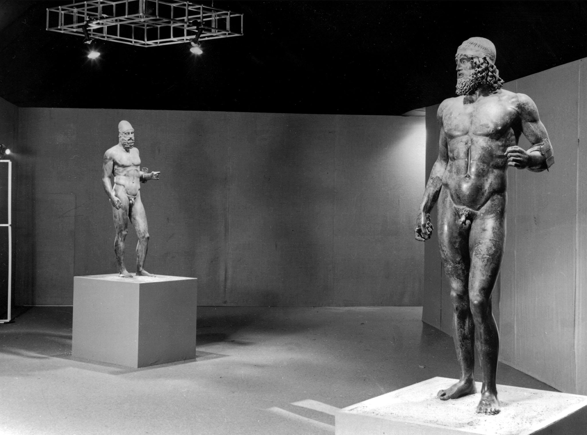Perché le statue greche hanno i genitali piccoli?