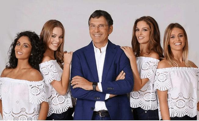 Fabrizio Frizzi con le nuove Professoresse de L'Eredità