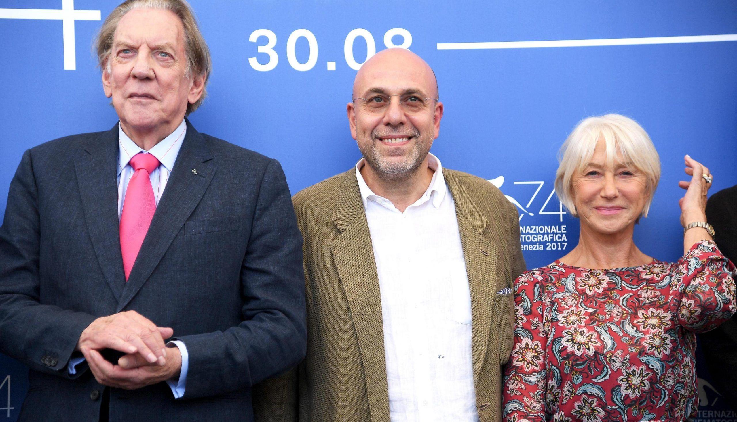 Venezia 74, Paolo Virzì l'americano e le star Helen Mirren e Donald Sutherland