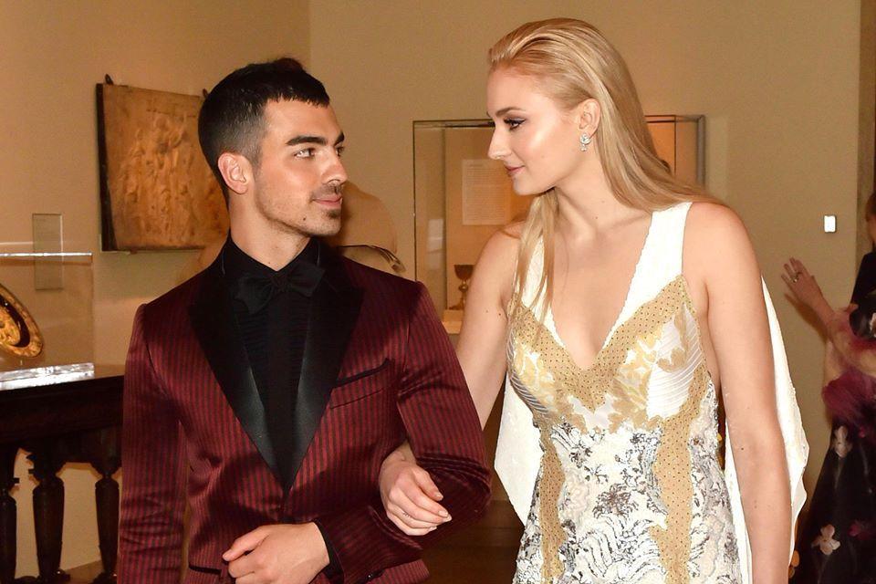 Joe Jonas e Sophie Turnes si sposano