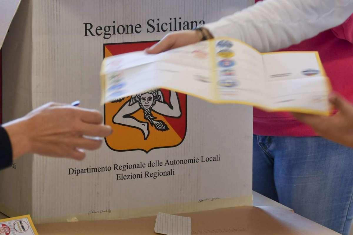 Elezioni: regionali Sicilia, aperti i seggi