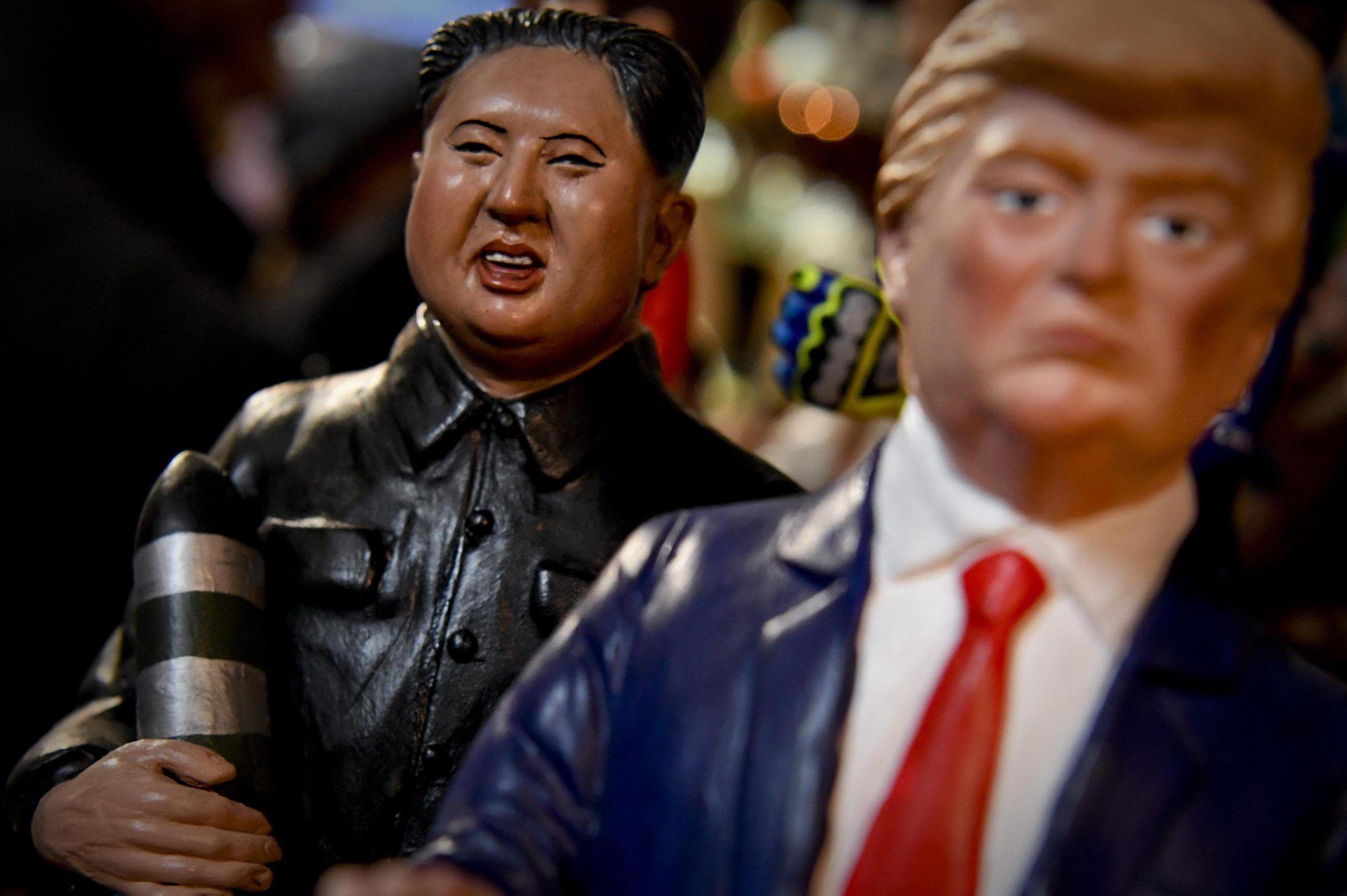 Donald Trump e Kim Jong-un statuette nel presepe napoletano