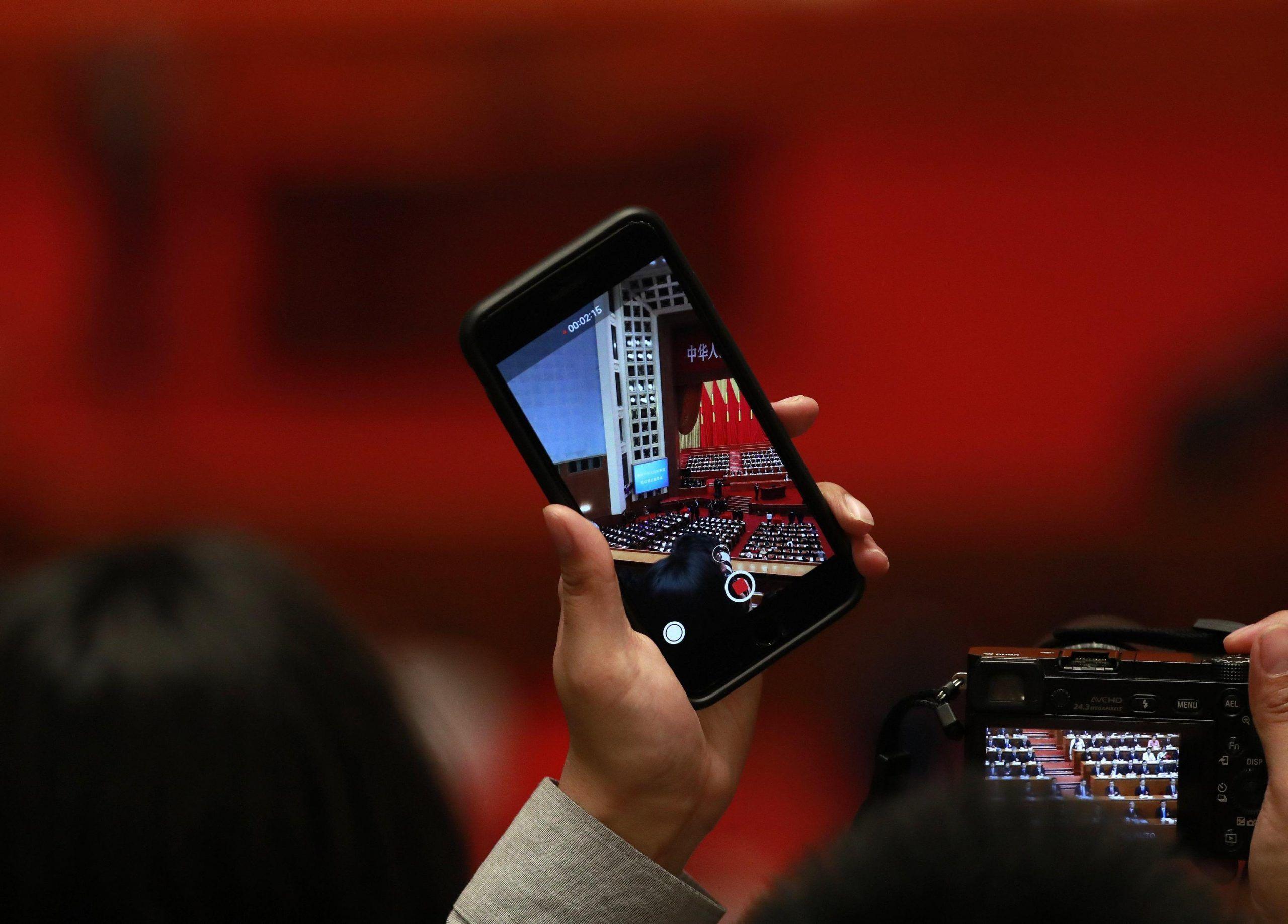 Telefoni cellulari e rietitori causano cancro