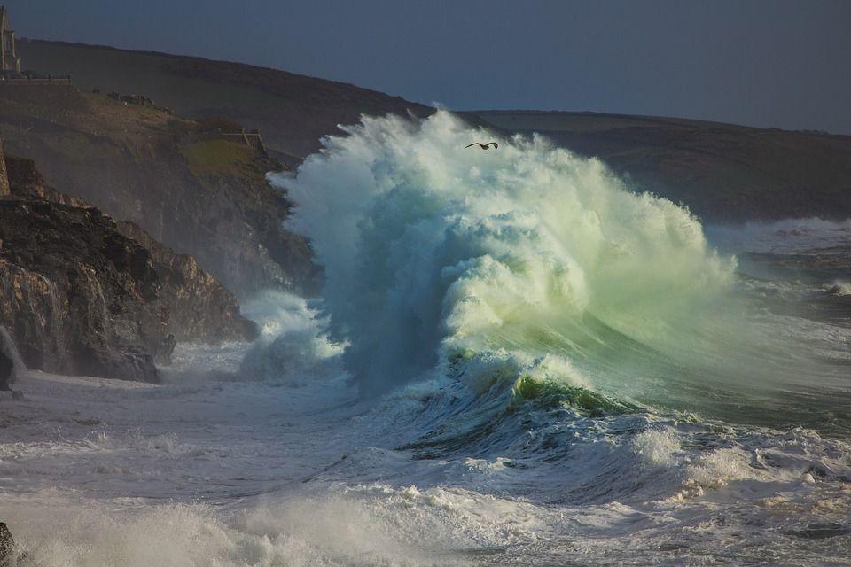 Immagini mare in tempesta