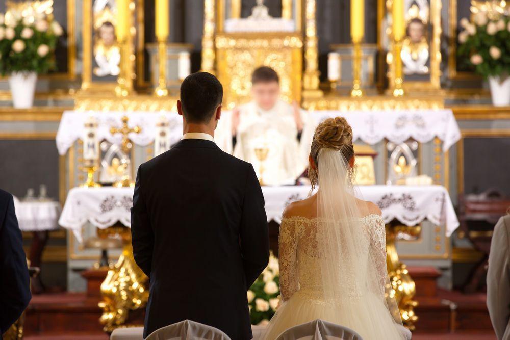 Prete celebra matrimonio con canzone di Jovanotti