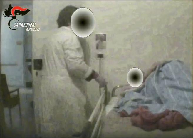 Violenza sugli anziani in casa di riposo