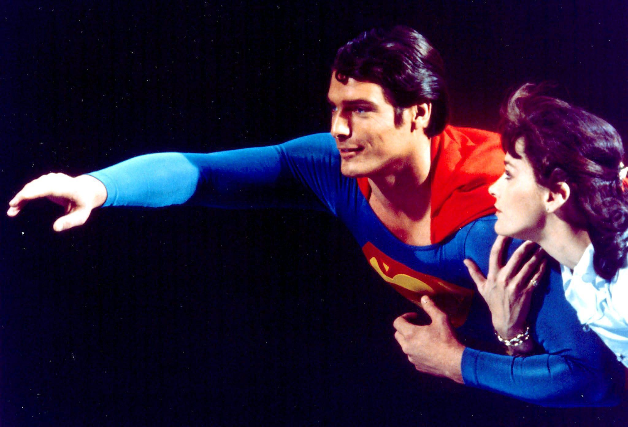 'Superman' star Christopher Reeve dies at age 52