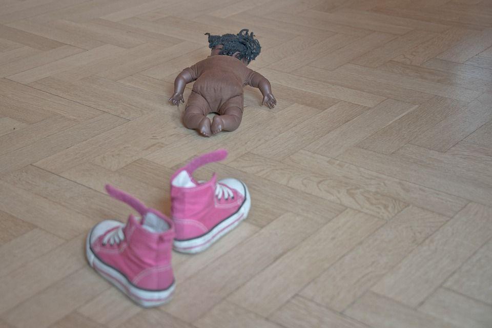 bambola pavimento
