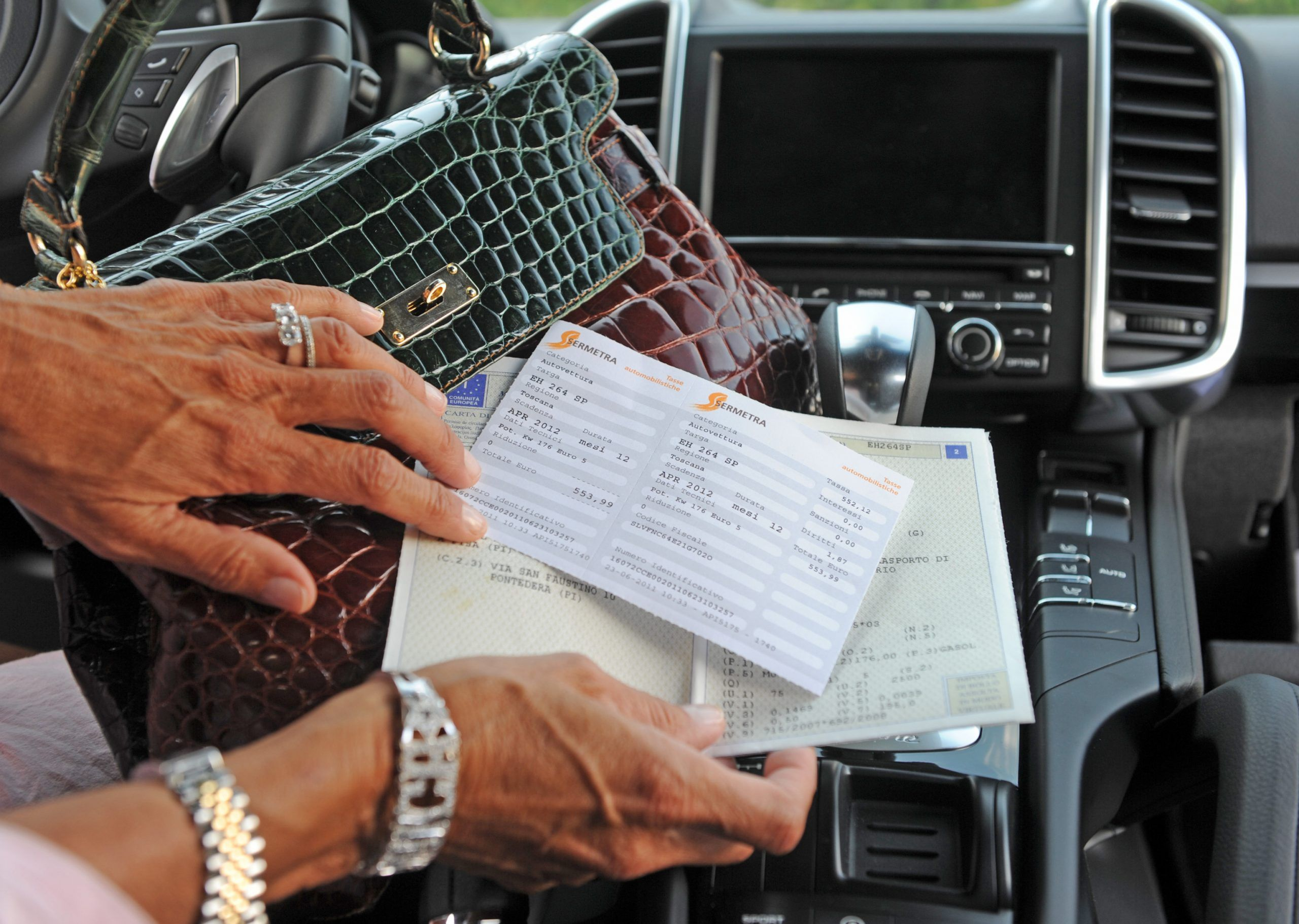 Bollo auto dopo 3 anni scatta la prescrizione la Cassazione lo conferma