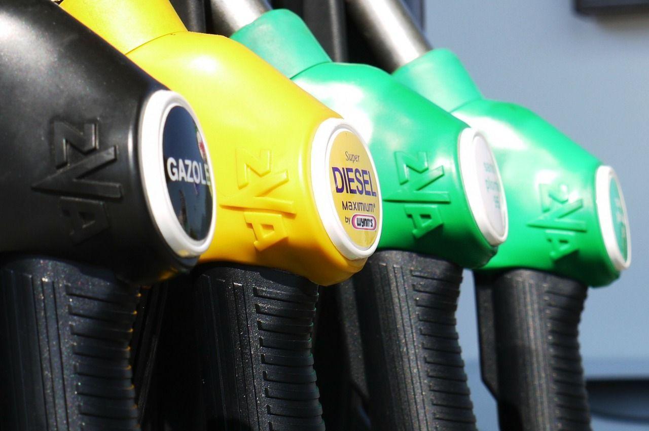 Benzina: fattura elettronica posticipata al 1° gennaio 2019