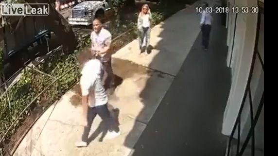 Città del Messico, coppia minacciata e derubata in pieno giorno: nessuno è intervenuto