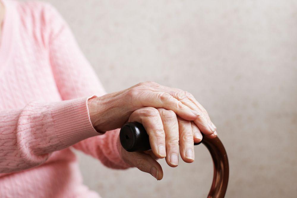 Anziana bastone