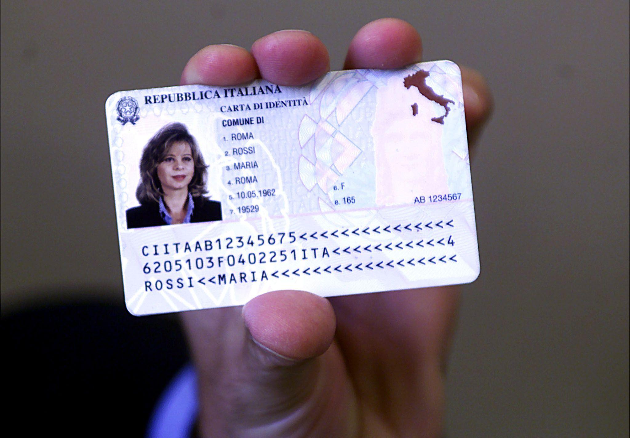 Carta d'identità elettronica: nuova procedura di prenotazione dal 1° luglio