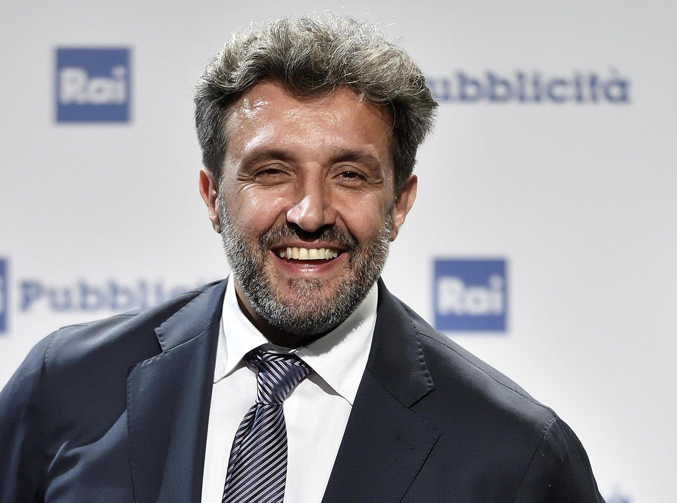 Flavio Insinna: 'Fabrizio Frizzi è insostituibile, non posso fare un miracolo'