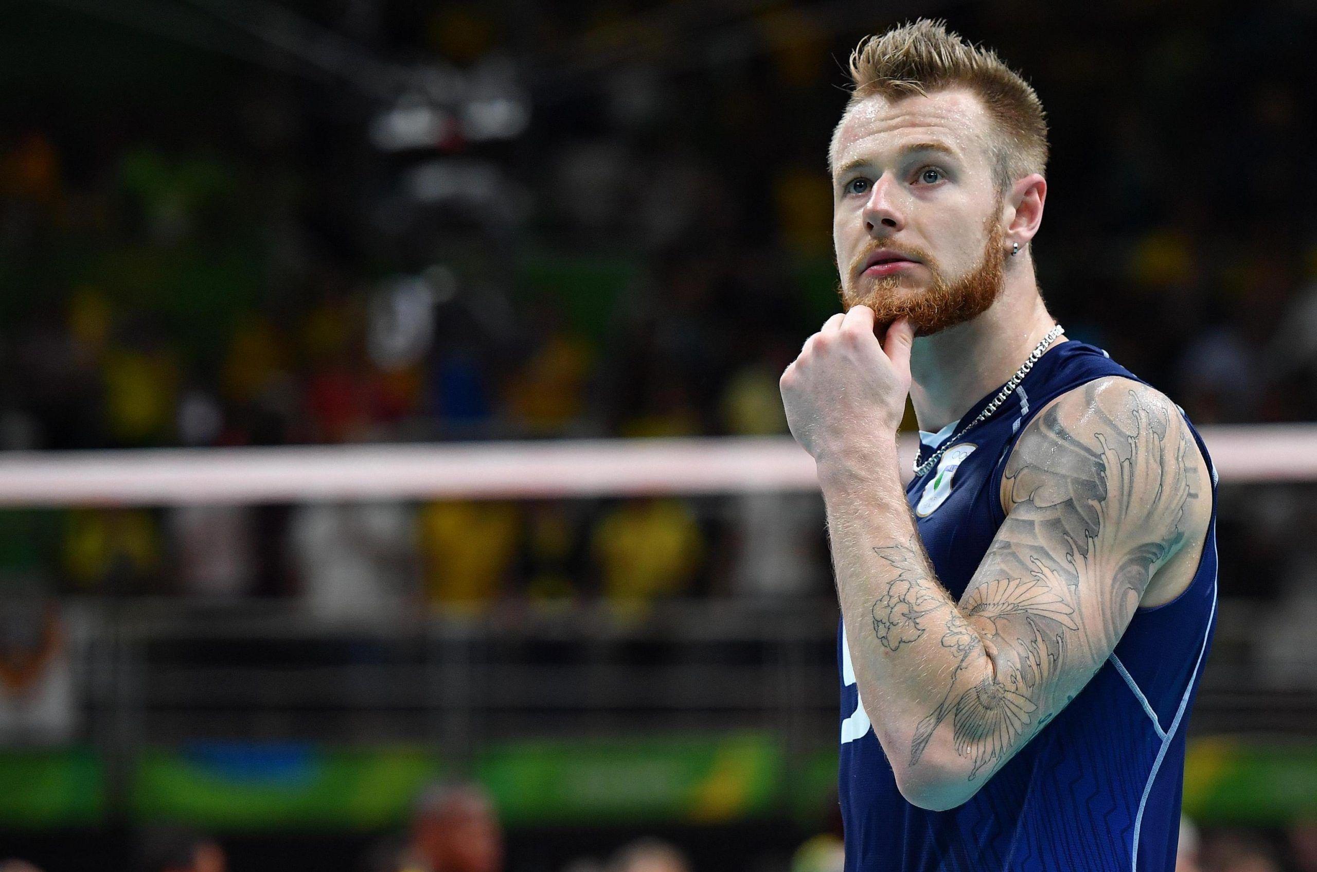 Star del Volley, Ivan Zaytsev vaccina la figlia i no vax lo insultano sui social