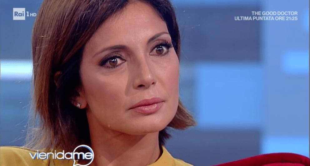 Vieni da me, Alessia Mancini piange: la storia che coinvolge il marito Flavio Montrucchio