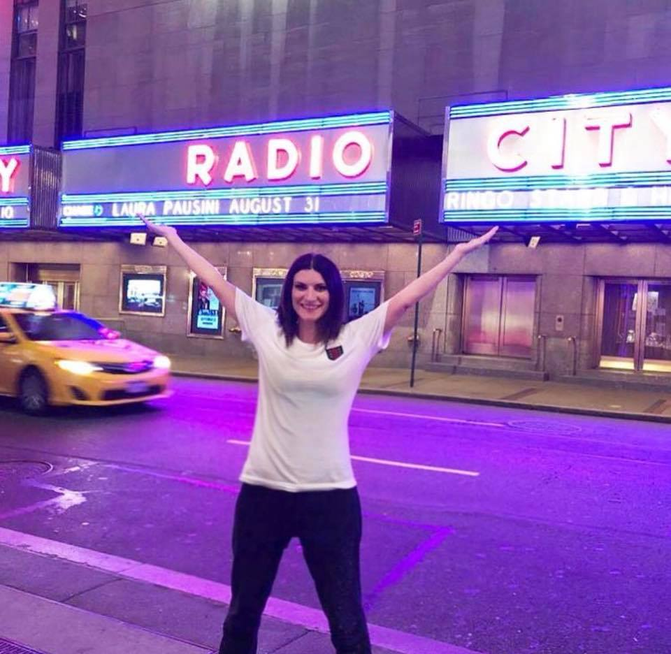 Laura Pausini a New York, lo sfogo: 'Ricordo le facce di chi non credeva in me'