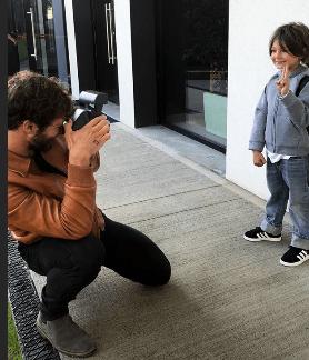 Belén Rodriguez e Stefano De Martino insieme per il primo giorno di scuola del figlio Santiago