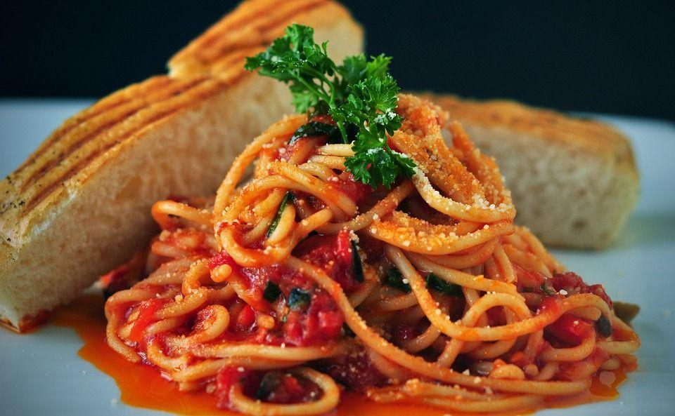 Cosa accade al corpo se smetti di mangiare carboidrati come pane e pasta