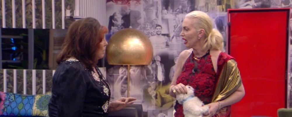 GF VIP 3, scontro tra Daniela Del Secco e Patrizia De Blanck: sfiorata la rissa tra 'nobili'
