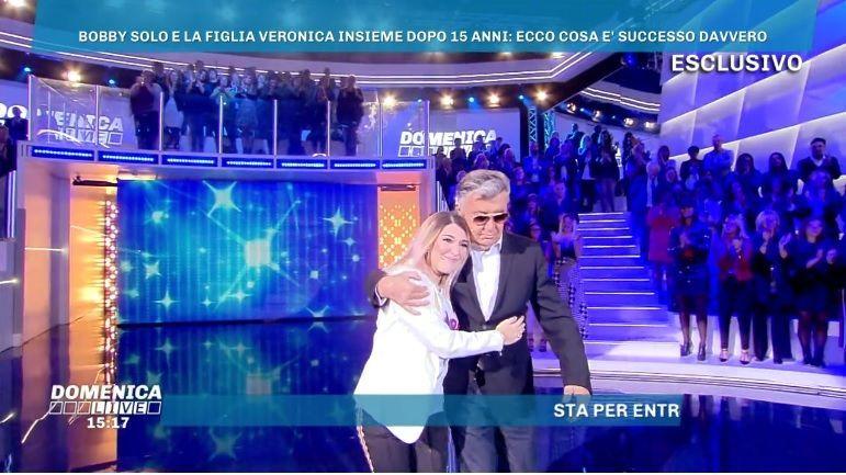 Domenica Live, Bobby Solo e la figlia Veronica Satti si incontrano dopo 15 anni
