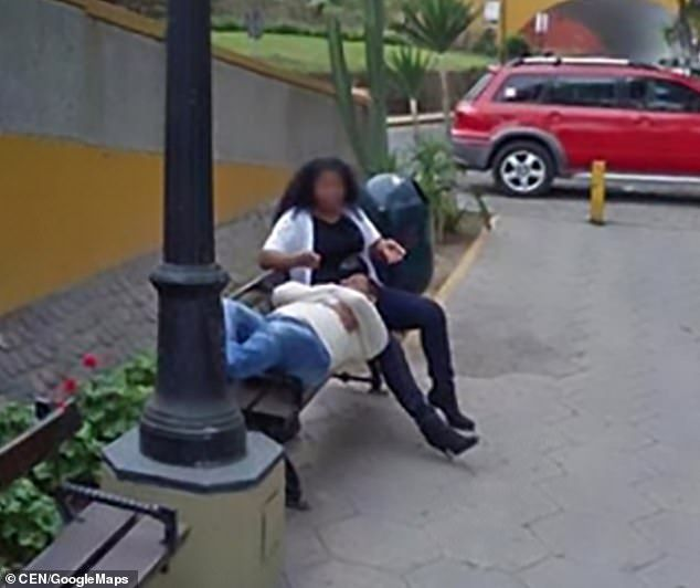 Becca la moglie con un uomo su Google Maps e chiede il divorzio