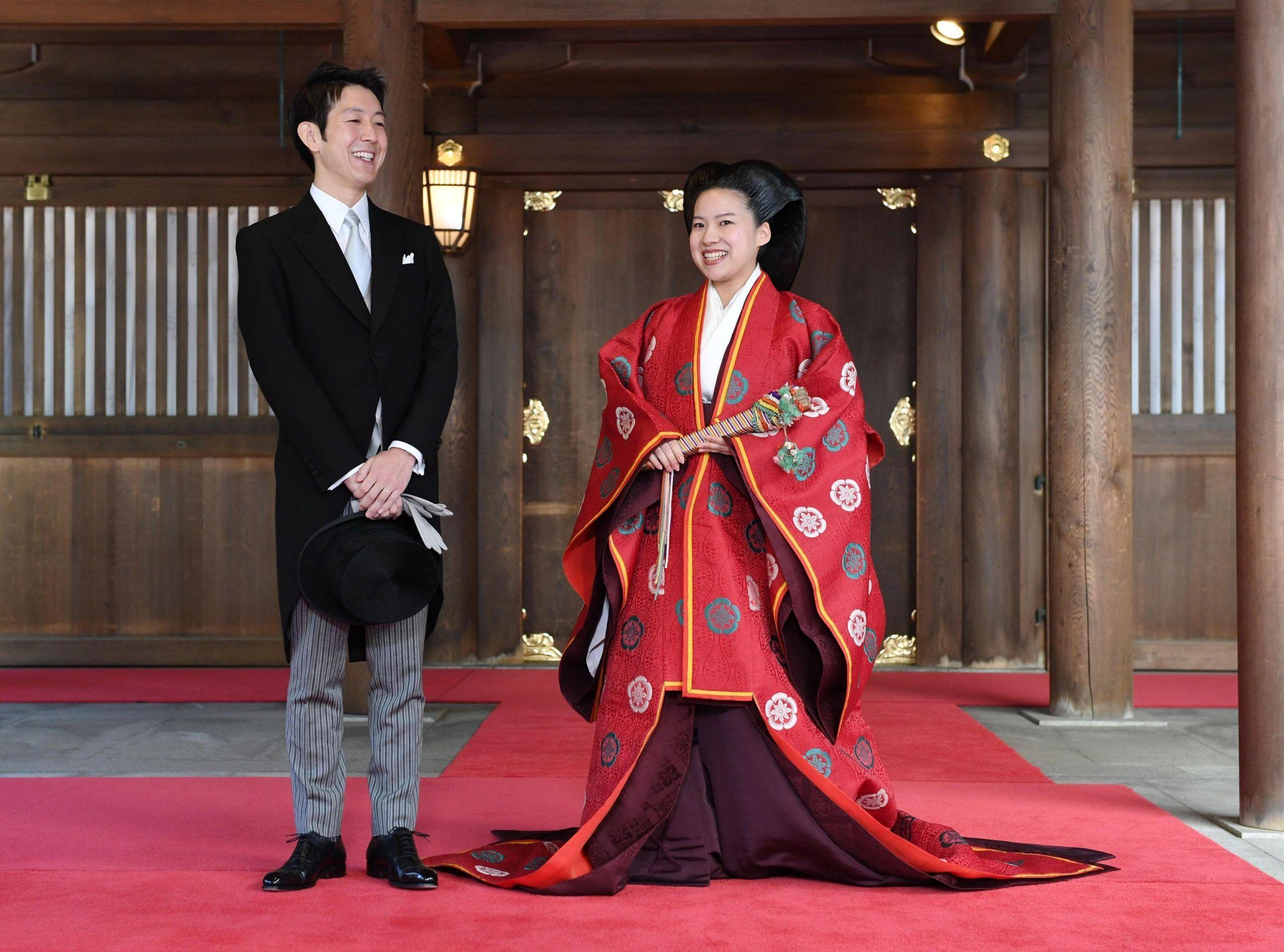 Giappone, la principessa Ayako sposa un impiegato e rinuncia al titolo