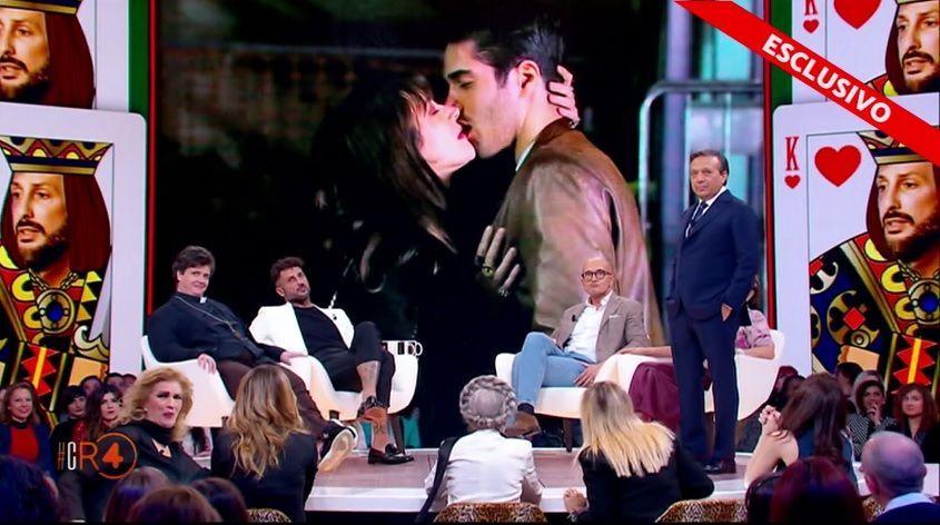 Fabrizio Corona 'tradito' da Asia Argento: lui ammutolisce, ma è uno scherzo di Signorini