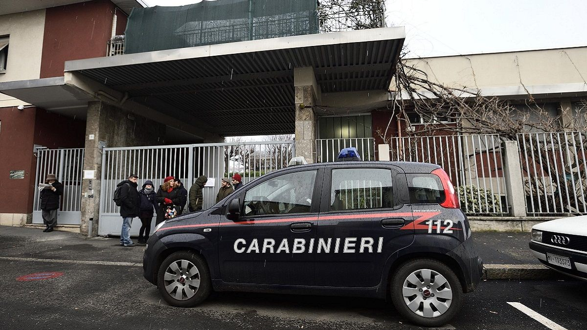 Milano: arrestato padre che picchia la moglie da anni, il figlio ringrazia i Carabinieri con un disegno