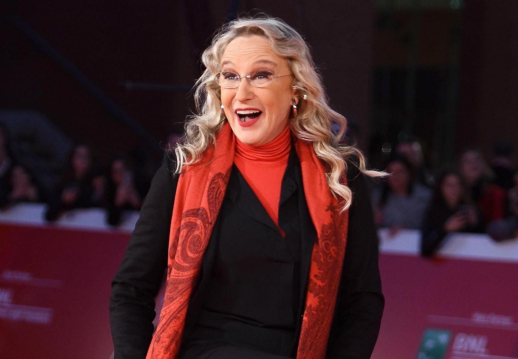 Eleonora Giorgi: 'La Asl dovrebbe passare il lifting a chi è depresso'