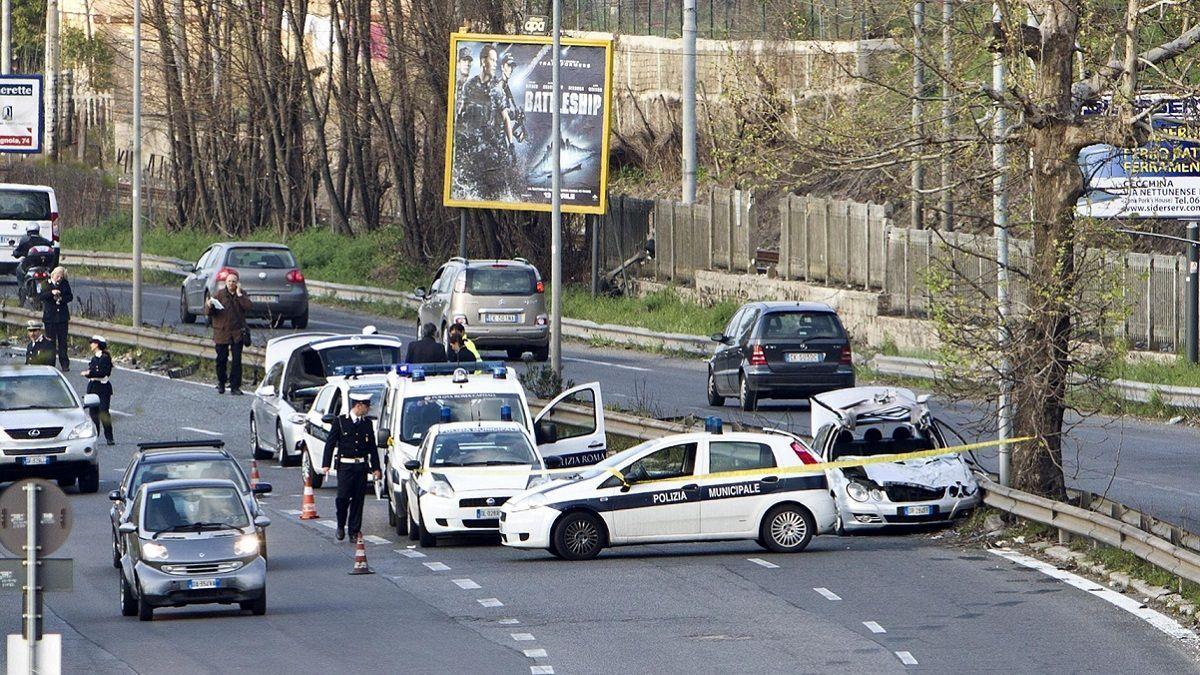 Roma: 50enne muore di infarto al volante della sua auto, sotto gli occhi dei suoi due figli