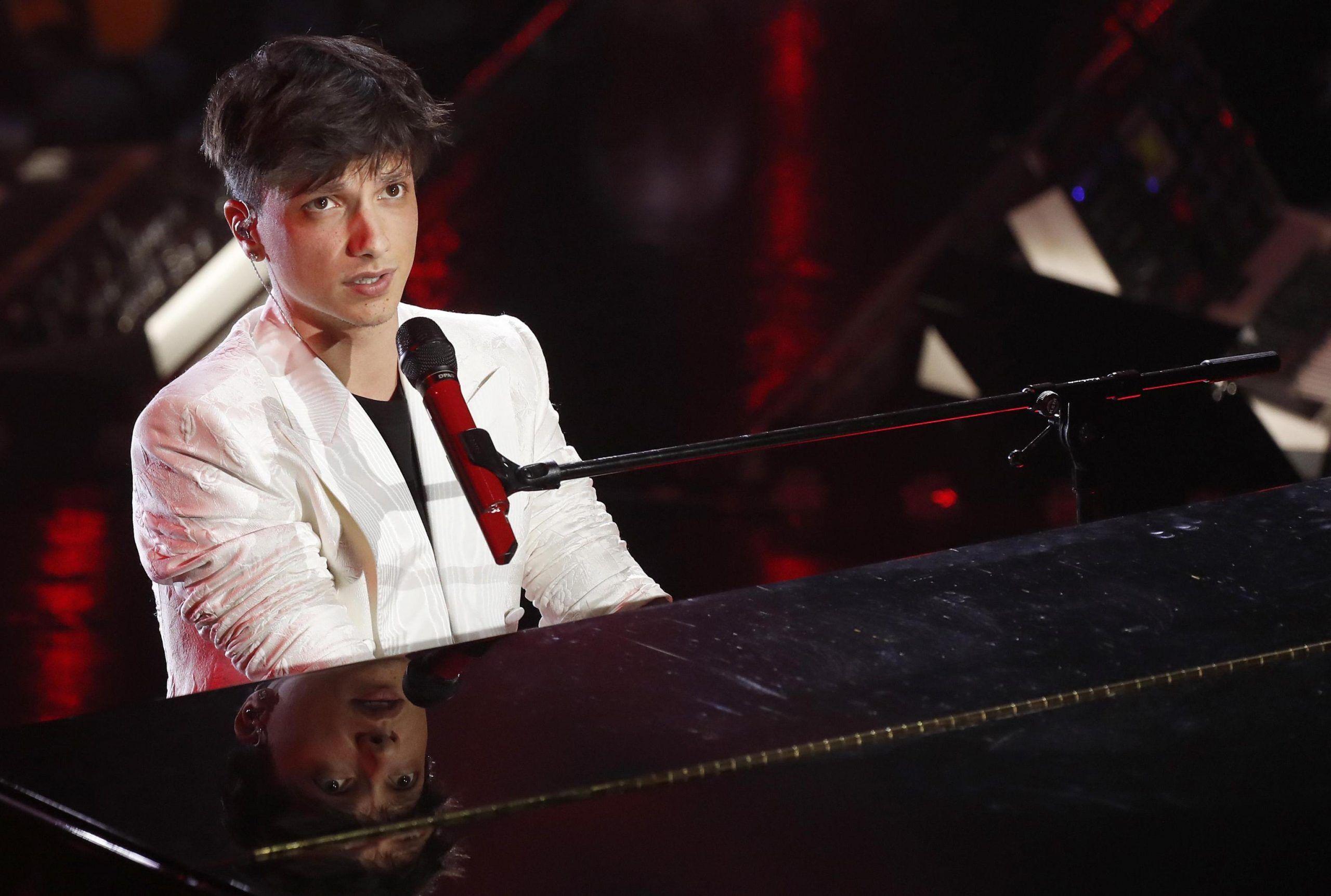 Ultimo sulle polemiche post Sanremo: 'Non è stata una mossa premeditata, mi farò perdonare'