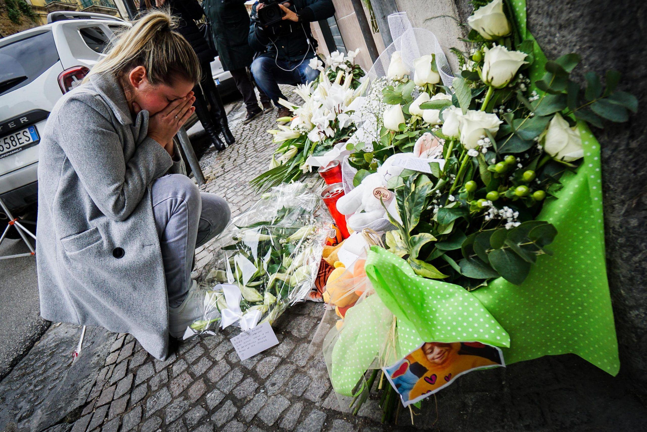 La mamma del bimbo ucciso a Cardito: 'Ero scioccata, non riuscivo a muovermi'