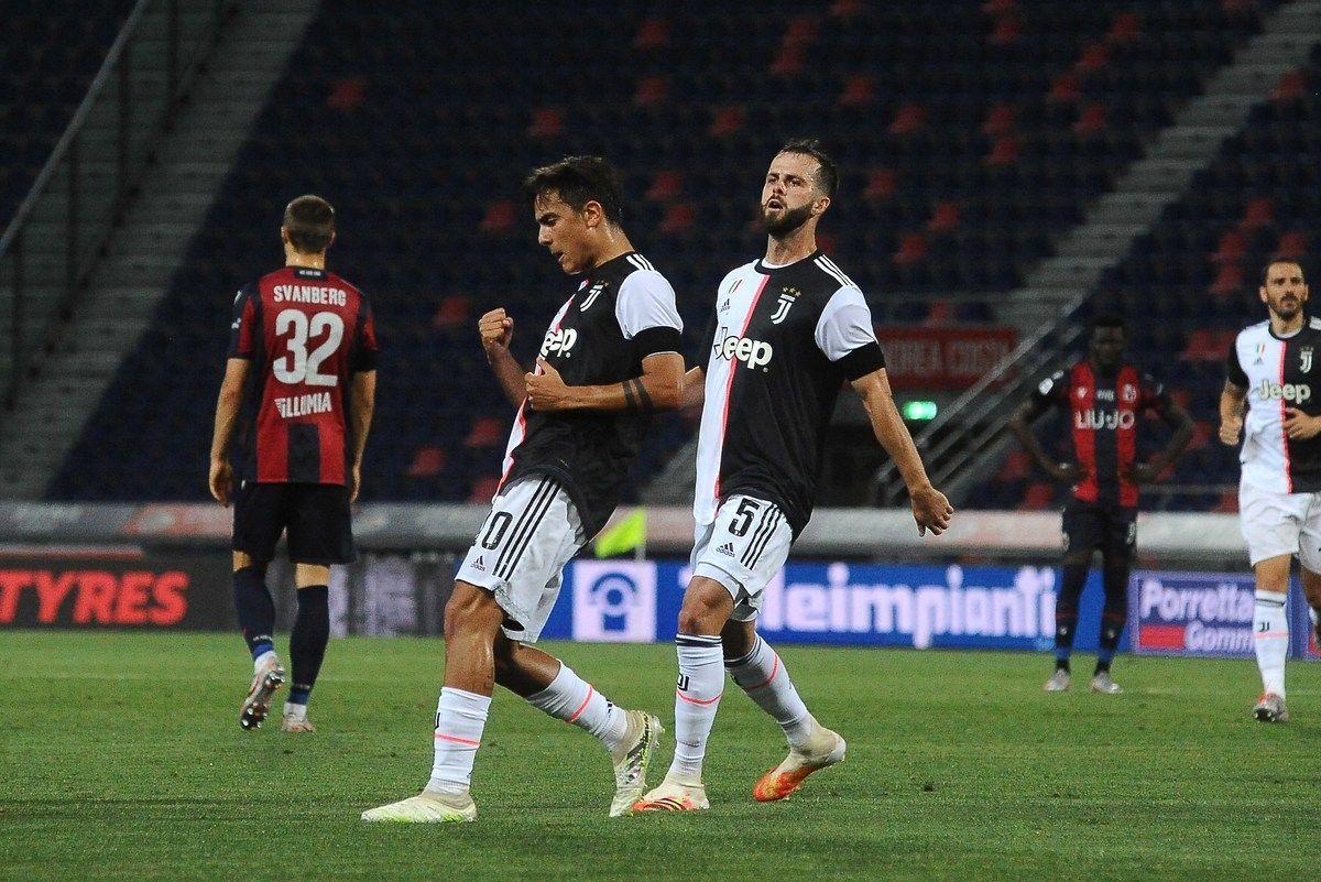 Dybala esulta dopo il gol al Bologna