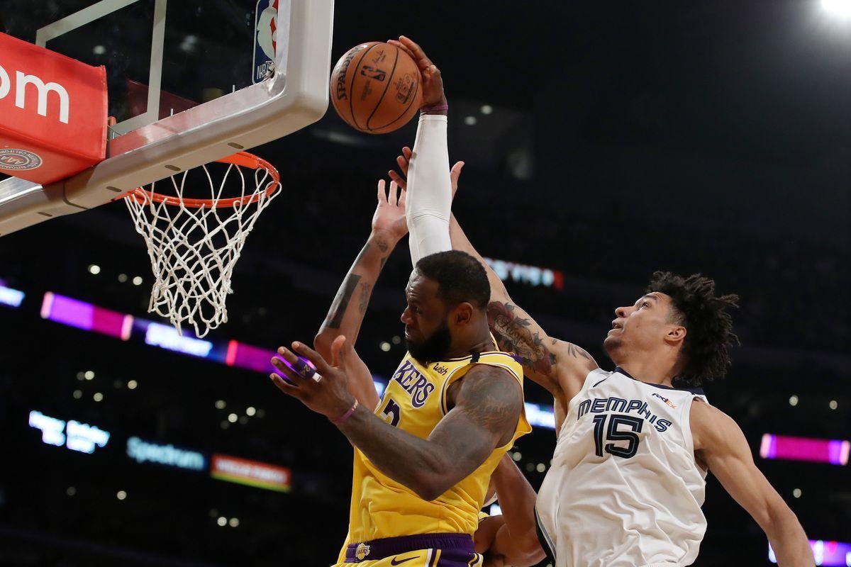 LeBron James, uno dei protagonisti della NBA che riparte a luglio