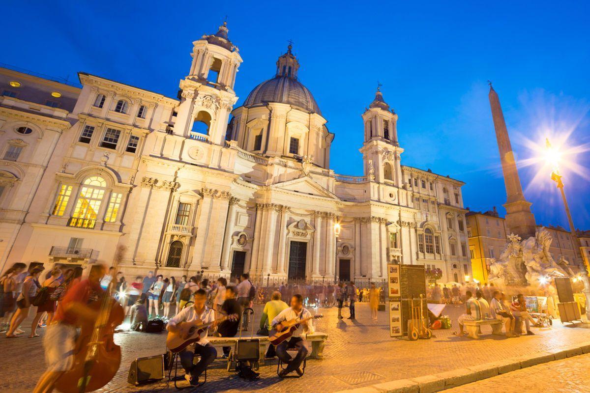 Notte prima degli esami a Piazza Navona