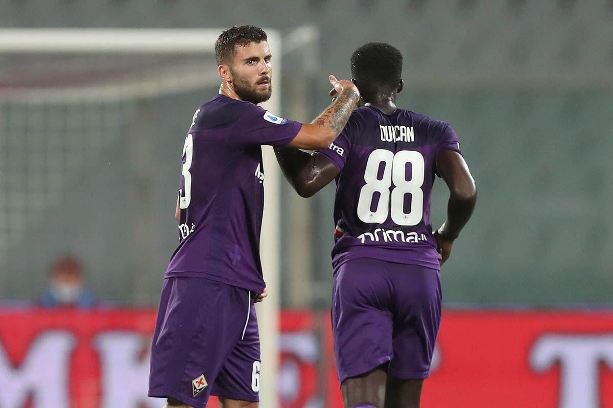 Pari spettacolo tra Milan e Napoli, respirano Genoa e Samp
